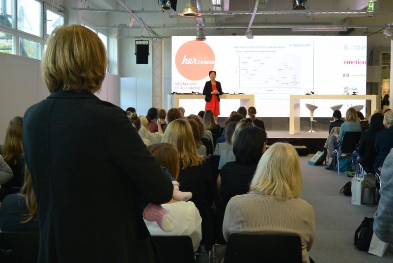 Dr. Nadja Tschirner bei ihrem Vortrag auf der HerCareer