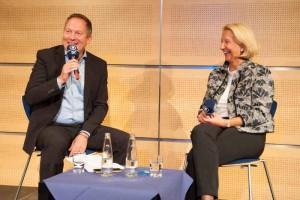 Moderator Thorsten Otto im Gespräch mit Prof. Birgit Spanner-Ulmer